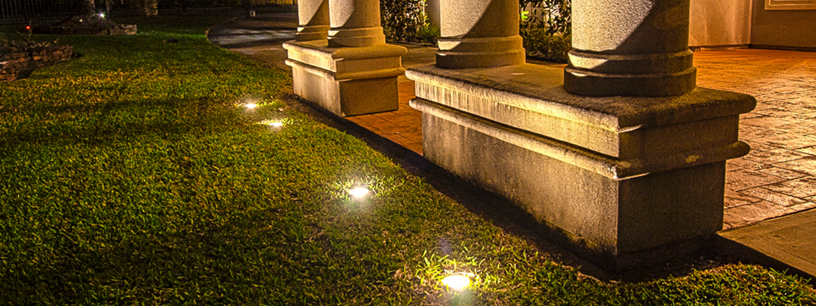 Outdoor lighting houston landscape lighting houston custom led lighting aloadofball Choice Image